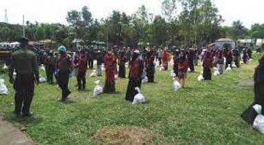 পাকুন্দিয়ায় আনসার সদস্যদের মাঝে খাদ্য সহায়তা প্রদান