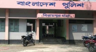 দিনাজপুরের বিরামপুরে ১২৫ বোতল ফেন্সিডিলসহ ১ যুবককে আটক করেছে পুলিশ