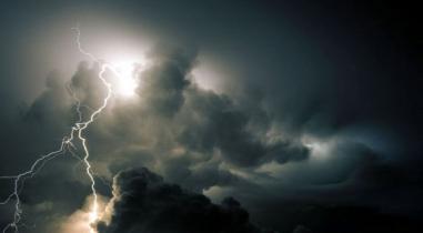 সিলেটজুড়ে বজ্রপাতের তাণ্ডব: ১০ ঘণ্টায় ৯ মৃত্যু